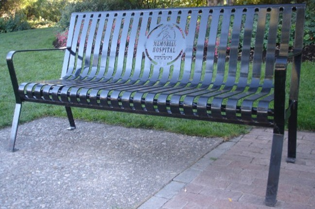 Installations Premier Memorial Benches